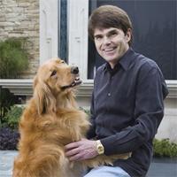 Dean Koontz with golden retriever